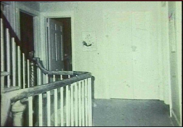 ces photos vont vous faire tr s peur horrorcreepy. Black Bedroom Furniture Sets. Home Design Ideas